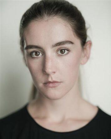 Laura Waldren Headshot