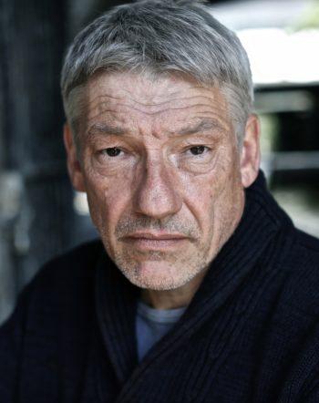 Simon ARMSTRONG Portrait